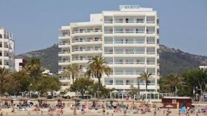 hotel-sabina-cala-millor-frontansicht