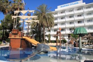 marins-playa-cala-millor-pool-und-aussenansicht