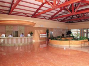 viva-can-picafort-hotel-rezeption